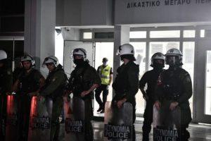Την Τετάρτη απολογούνται σε τακτικό ανακριτή οι επτά αστυνομικοί – Έως τότε θα κρατούνται στη ΓΑΔΑ