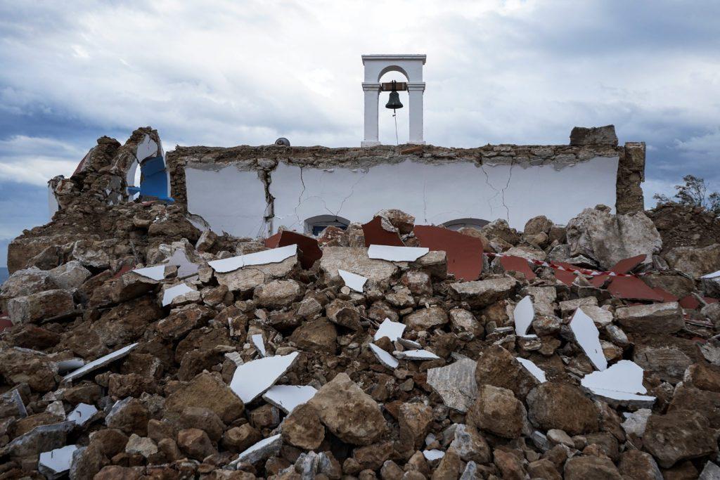 Σεισμός Κρήτη: Drone καταγράφει ό,τι έχει απομείνει από το εκκλησάκι του Αγίου Νικολάου που κατέρρευσε