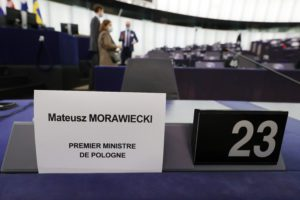 Polexit: Ανεβάζει τους τόνους η Φον ντερ Λάιεν και απειλεί με τιμωρία την Πολωνία