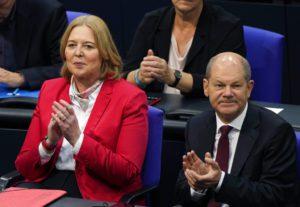 Γερμανία: Η Μπέρμπελ Μπας του SPD διαδέχεται τον Σόιμπλε στην προεδρία της Bundestag