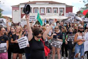 Η Βουλγαρία κατακλύζεται από το τέταρτο κύμα Covid-19 και στέλνει ασθενείς στο εξωτερικό