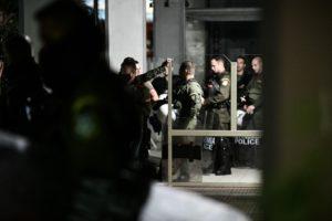 Σπίρτζης-Καλαματιανός: Αστυνομία Άγριας Δύσης και ανεξέλεγκτη οπλοκατοχή έφερε το κυβερνητικό δόγμα