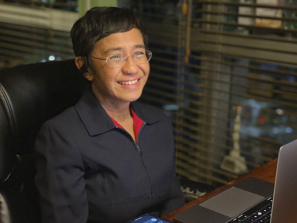 Πρότυπο της ερευνητικής δημοσιογραφίας η Φιλιππινέζα Μαρία Ρέσα που τιμήθηκε με το Nobel Ειρήνης