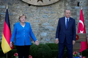 Mέρκελ: Οι σχέσεις Άγκυρας-Βερολίνου θα συνεχιστούν, με τις καλές και τις κακές πλευρές τους
