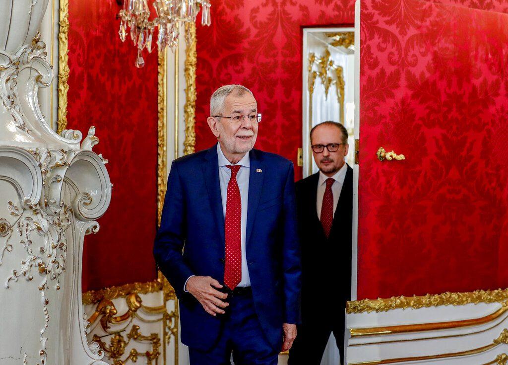 Αυστρία: Ορκίστηκε ο νέος καγκελάριος Αλεξάντερ Σάλενμπεργκ μετά την παραίτηση Κουρτς