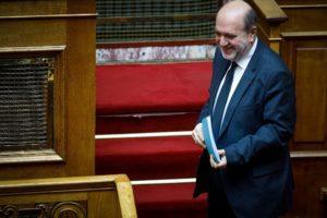 Αλεξιάδης: Αναγκάστηκαν να το παραδεχτούν, 37 από τα 47 δισ. βρίσκονται «παρκαρισμένα» στην Τράπεζα της Ελλάδος (Video)