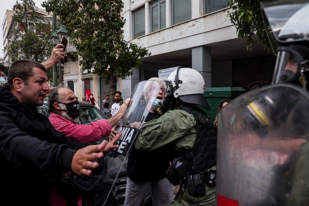 Χημικά κατά αντιφασιστικής διαδήλωσης στην Αθήνα (Photos/Video)