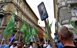 Ουγγαρία: Αντίπαλες πολιτικές συγκεντρώσεις στη Βουδαπέστη
