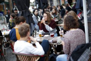 Άλμα κρουσμάτων κορονοϊού στο Βέλγιο που μπαίνει στο 4ο κύμα μολύνσεων