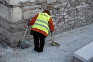 Τέλος το επίδομα Βαρέων και Ανθυγιεινών για τους εργαζομένους στους Δήμους – Μείωση μισθών κατά 20%