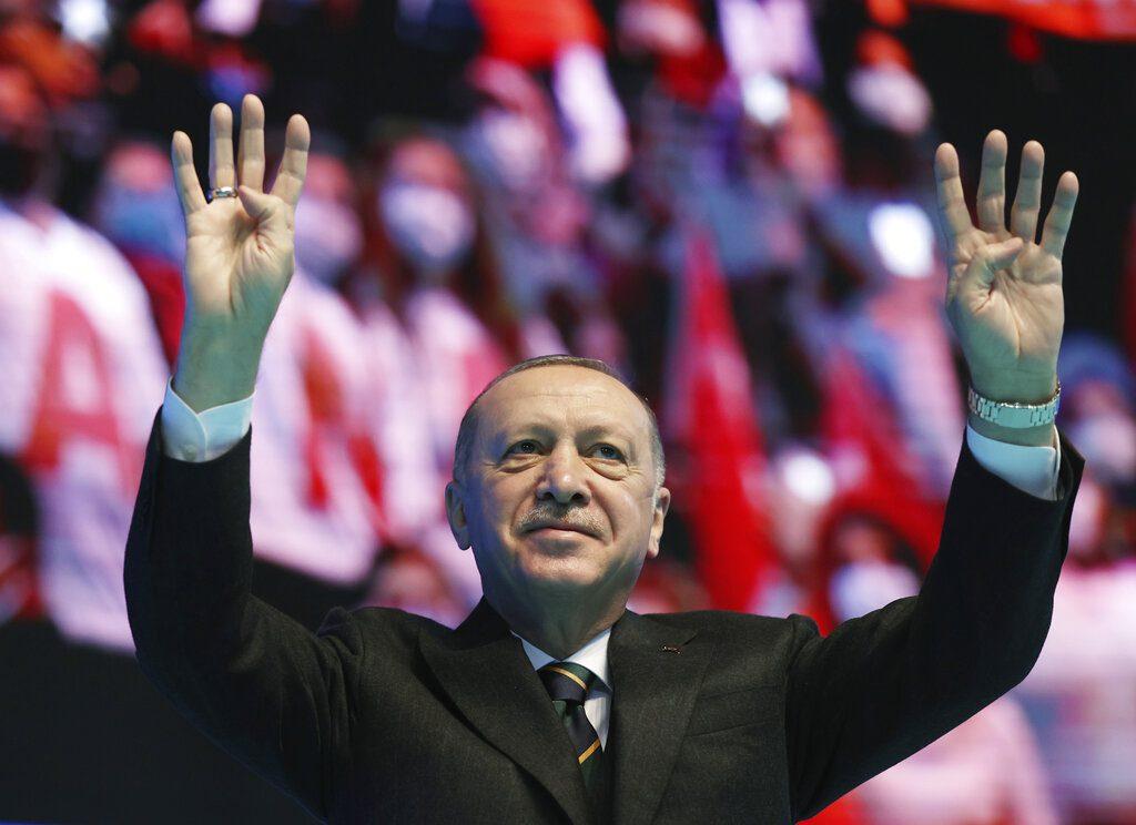 Αποκαλύψεις των Pandora Papers για τα offshore εκατομμύρια των «συμμάχων» του Ερντογάν