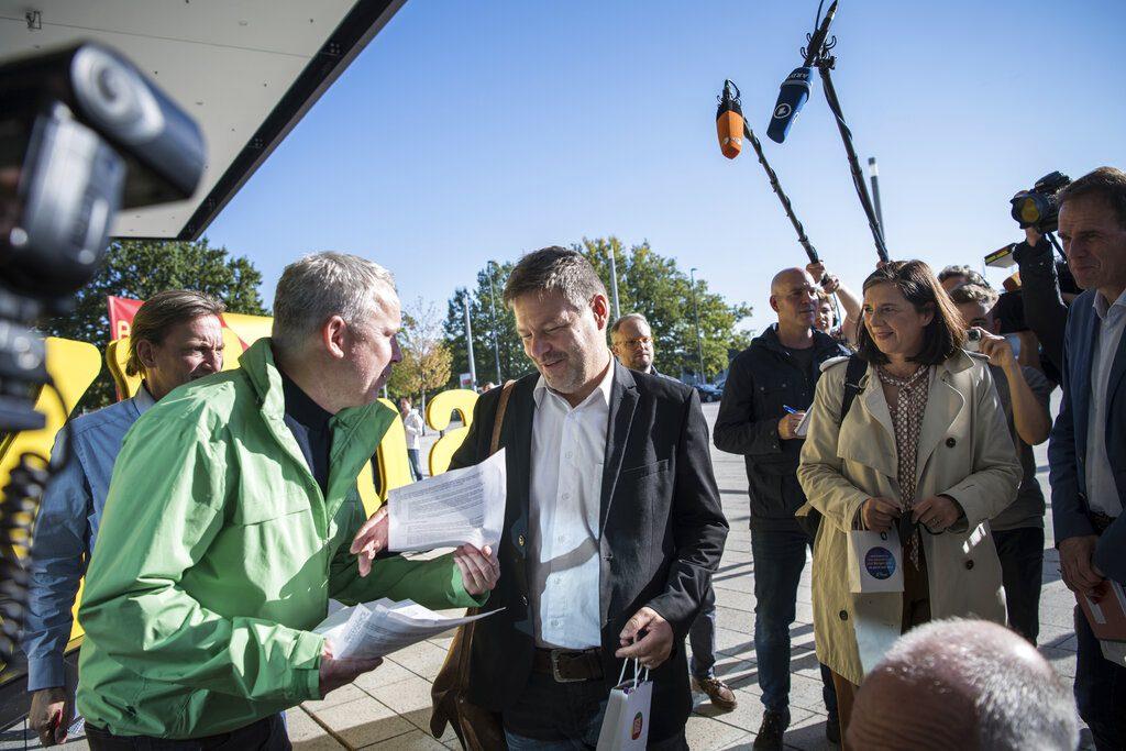 Γερμανία: Σε εξέλιξη η πρώτη συνάντηση Σοσιαλδημοκρατών, Πρασίνων και Φιλελευθέρων για τον σχηματισμό κυβέρνησης