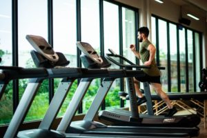Μύθοι και αλήθειες για την προπόνηση στο γυμναστήριο και τους εξωτερικούς χώρους