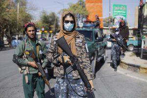 Αφγανιστάν: Οι Ταλιμπάν χτύπησαν δημοσιογράφους για να μην καλύψουν διαδήλωση γυναικών
