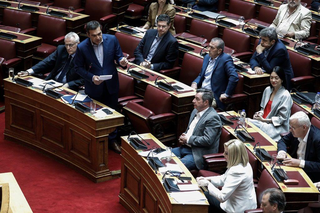 Κοινή γραμμή ΣΥΡΙΖΑ-ΚΙΝΑΛ κατά ΝΔ για λίστες Πέτσα και δημοσκοπήσεις
