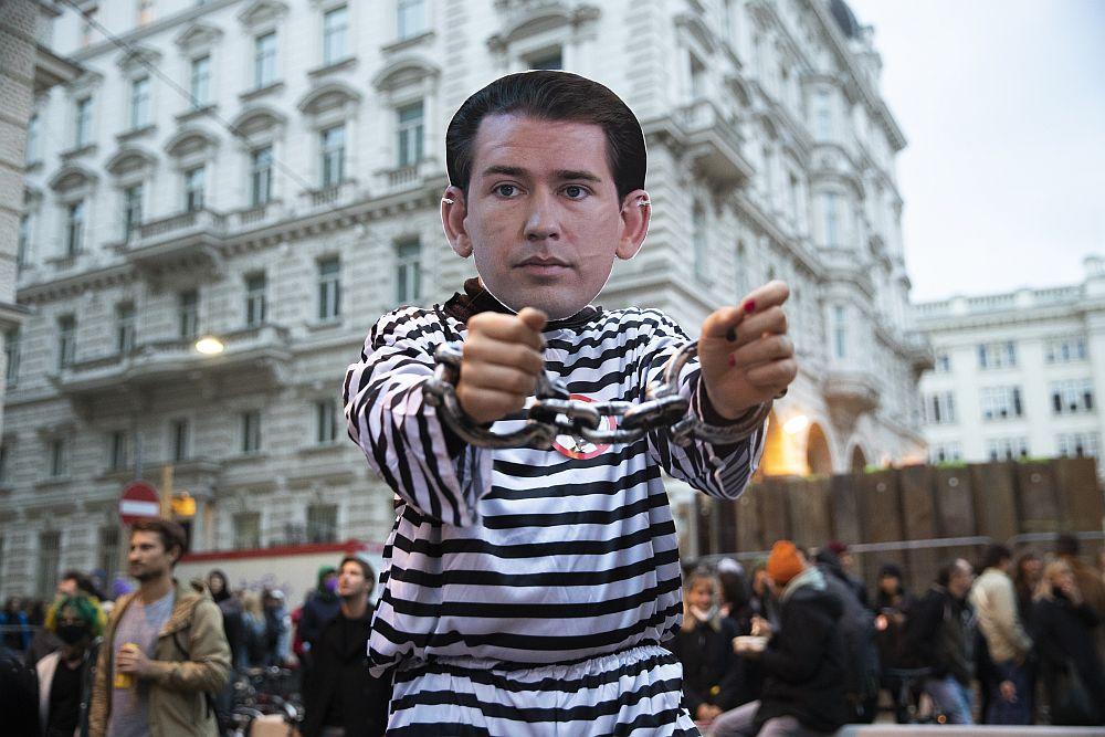 Σκάνδαλο Κουρτς: Μία σύλληψη για διαγραφή σκληρού δίσκου – Πολιτικός αναβρασμός στην Αυστρία