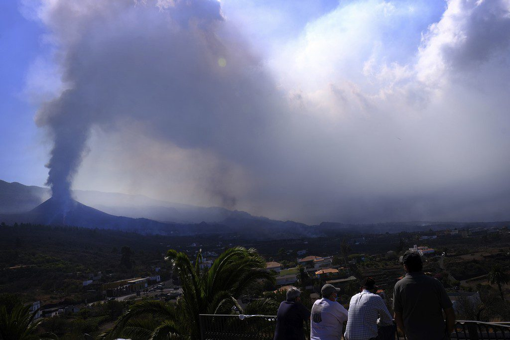 Ισπανία: Την απομάκρυνση 800 κατοίκων από μια κοινότητα στη Λα Πάλμα διέταξαν οι αρχές