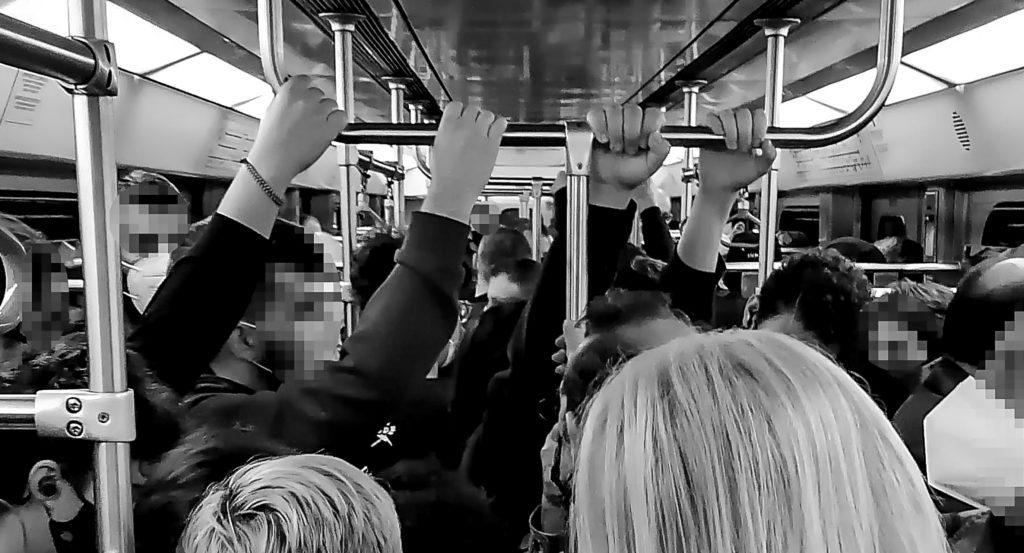 ΜΜΜ: Στο μετρό κολλάει ή όχι;