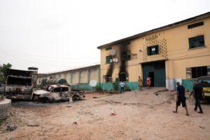 Νιγηρία: Ένοπλοι εισέβαλαν σε φυλακή στη νοτιοδυτική πολιτεία Όγιο – Πάνω από 800 κρατούμενοι απέδρασαν