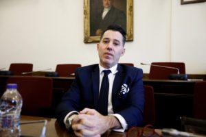 Σκάνδαλο Novartis: Με νομικούς ακροβατισμούς απηλλάγη ο Νίκος Μανιαδάκης
