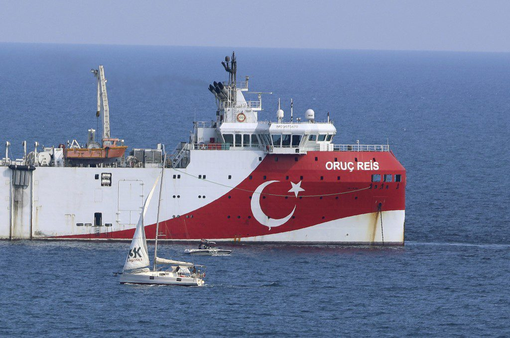 Ξαναβγάζει το Oruc Reis για έρευνες η Τουρκία