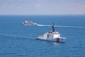 Aμερικανικό και καναδικό πολεμικό πλοίο πραγματοποίησαν διέλευση ανάμεσα σε Ταϊβάν και Κίνα