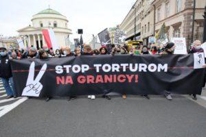 Πολωνία: Χιλιάδες διαδηλωτές κατά επαναπροώθησης μεταναστών στη Λευκορωσία (Video)