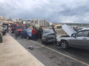 Καραμπόλα έξι οχημάτων στον Περιφερειακό του Ρεθύμνου – τρεις τραυματίες