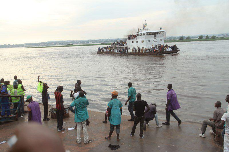 Κονγκό: Περισσότεροι από εκατό νεκροί και αγνοούμενοι σε ναυάγιο αυτοσχέδιου πλεούμενου στον ποταμό Κονγκό