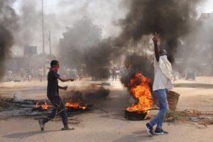 Σε κατάσταση έκτακτης ανάγκης το Σουδάν μετά το πραξικόπημα