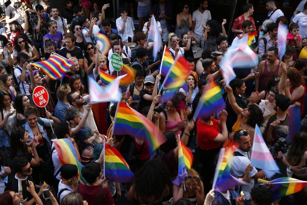 Τουρκία: Δικαστήριο αθώωσε φοιτητές για συμμετοχή σε gay pride