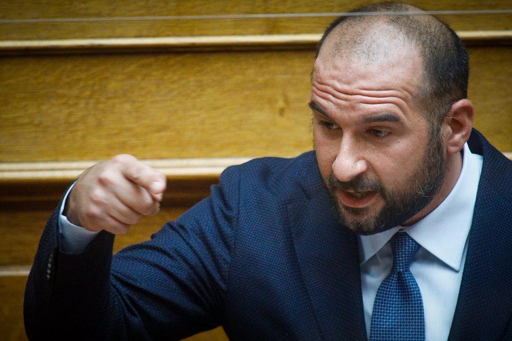 Τζανακόπουλος: «Πολεμοκάπηλη και πατριδοκάπηλη η πολιτική της κυβέρνησης Μητσοτάκη»