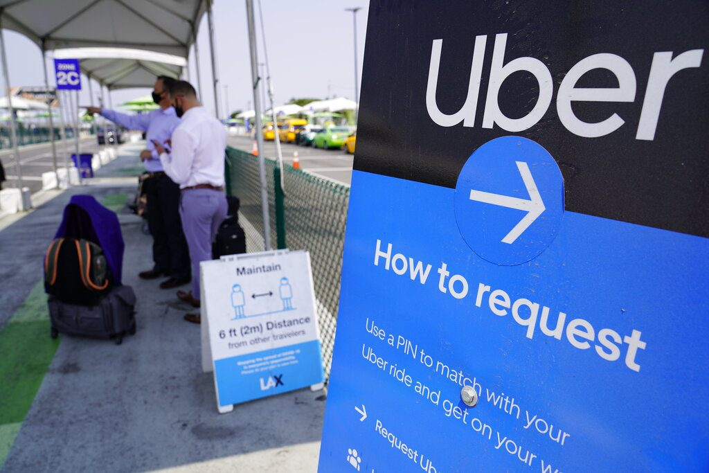Βρετανία: Η Uber κατηγορείται για απολύσεις μέσω «ρατσιστικού λογισμικού»