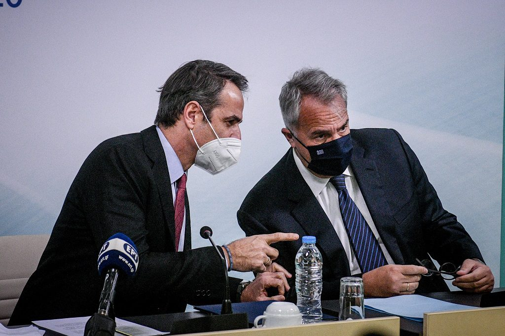 Η Καθημερινή, ο Μανδραβέλης και το κορονοπάρτι της κυβέρνησης Μητσοτάκη