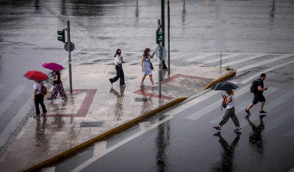 Kαιρός: Επιδείνωση με ισχυρές βροχοπτώσεις και κεραυνούς – Πού αναμένεται χαλάζι μεγάλου μεγέθους