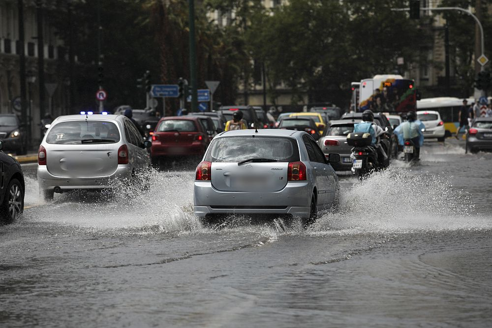 Έκτακτο δελτίο επικίνδυνων καιρικών φαινομένων: Έρχεται το σύστημα «Αθηνά» με ανέμους και χαλαζοπτώσεις – Οδηγίες από τη ΓΓΠΠ
